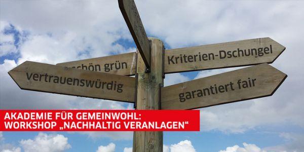 Wegweiser und Akademie-Banner